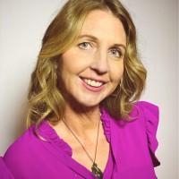 Annette Kendall Headshot